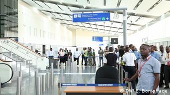 Einweihung eines neuen Flugahfen Terminals durch John Pombe Magufuli Kassim Majaliwa