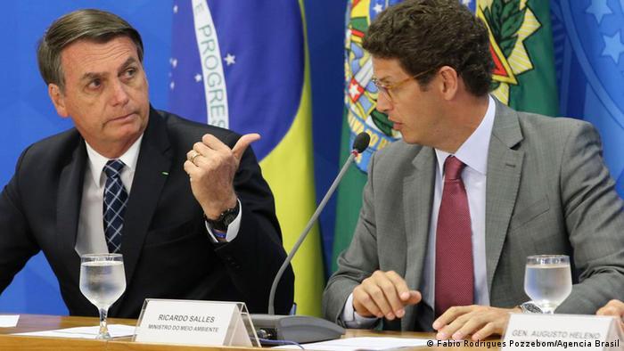 O presidente Jair Bolsonaro e o ministro do Meio Ambiente, Ricardo Salles