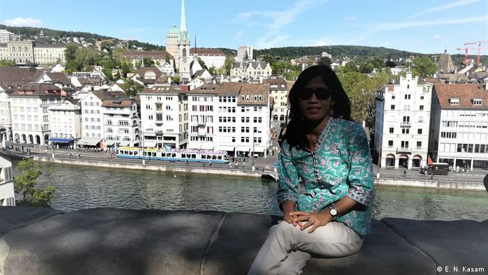 Esti Nuryani Kasam aus Indonesien in der Schweiz