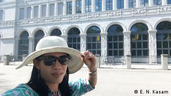 Esti Nuryani Kasam, Indonesia, Swiss