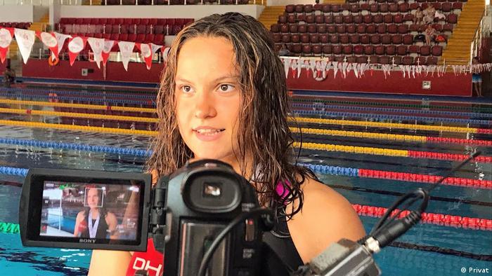 Genç yüzücü Ilgın Çelik zorlu antrenmanlardan geçiyor
