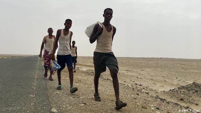 مهاجرون أفارقة يصلون إلى اليمن، في الغالب كطريق عبور إلى دول أخرى ونها السعودية