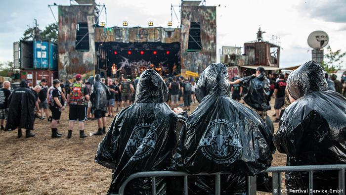 از حاشیههای تلخ دیگری که در فستیوال هوی متال وکن امسال رخ داد، مرگ یک نوازد شیرخوار بود