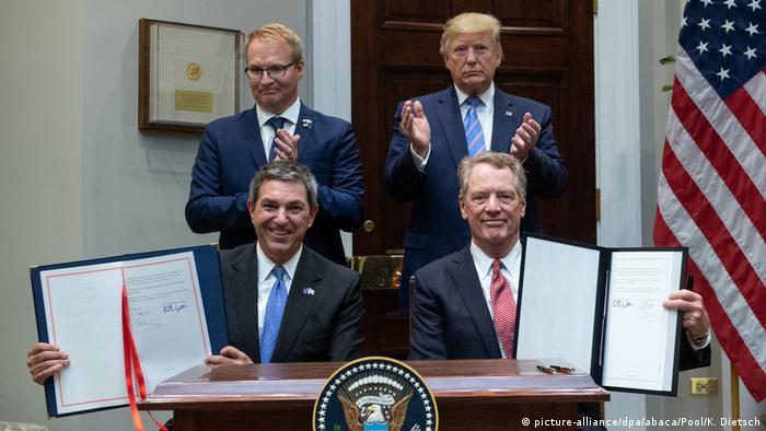 USA | Präsident Trump gibt eine Ankündigung zu E.U. Handel (picture-alliance/dpa/abaca/Pool/K. Dietsch)