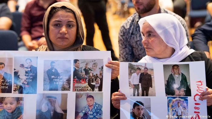 Deutschland August 2019 :Gedenktag vom Genozid der Jesiden (Getty Images/AFP/T. Kienzle)