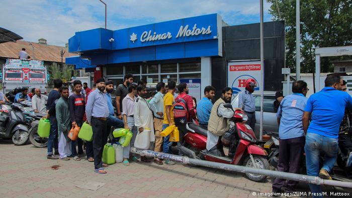 Kaschmir | Touristen verlassen Sinagar nach Terrorwarnung