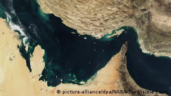 Τα Στενά του Ορμούζ είναι η εστία δυο παράλληλων συγκρούσεων
