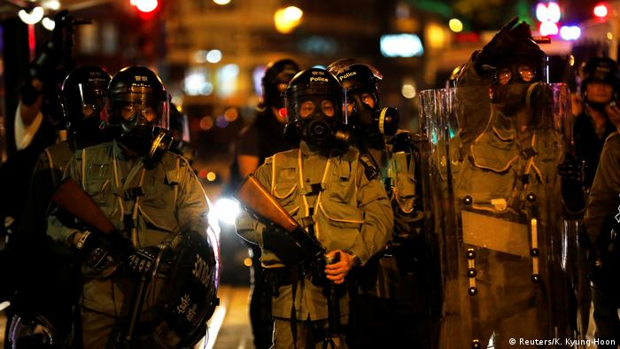 Hongkong Anti-Regierungsproteste - Sicherheitskräfte (Reuters/K. Kyung-Hoon)