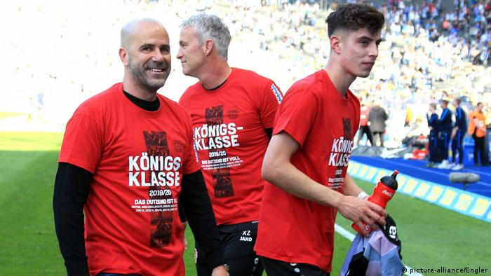 Leverkusen coach Peter Bosz and midfielder Kai Havertz (picture-alliance/Engler)