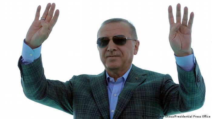 Türkei Bursa   Recep Tayyip Erdogan, Präsident - Eröffnung einer Autobahn (Reuters/Cem Oksuz/Presidential Press Office)