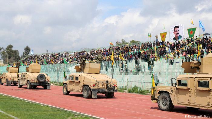 Borci milicije YPG na paradi u Qamishli u Siriji