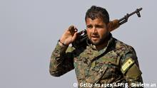 Syrien YPG-Kämpfer in Deir Ezzor
