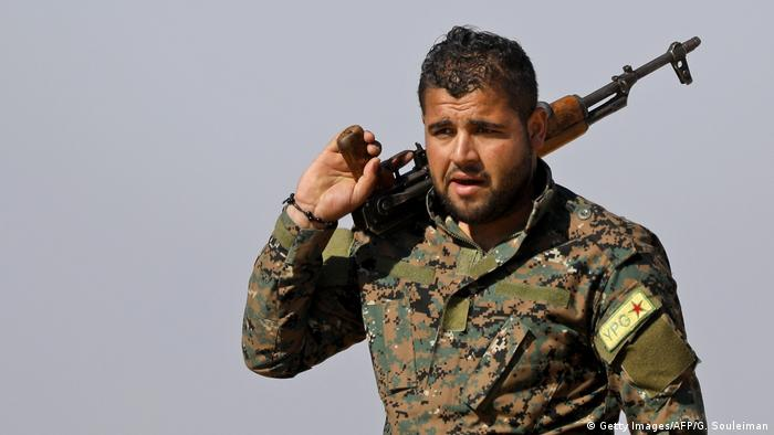 The YPG was one of the US' main allies in the fight to drive out IS from north Syria, but since October it has been fighting the Turkish forces that crossed into Syria. The YPG lacks strong air capabilities and defenses, putting it at a decided disadvantage in comparison to the Turkish army.