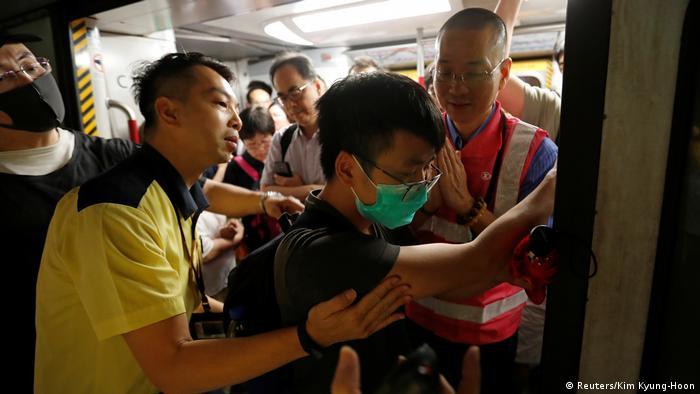 Hong Kong Proteste gegen China - Generalstreik (Reuters / Kim Kyung-Hoon)