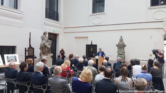 München Bayern gibt neun Nazi-Raubkunst-Werke an eine jüdische Familie zurück