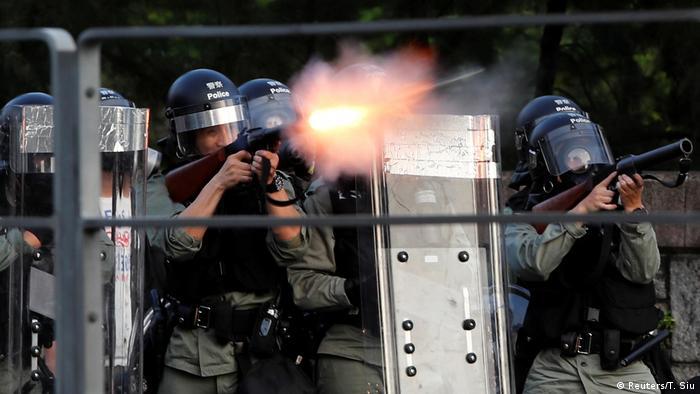 Polis gösterilere plastik mermi ile müdahale etti