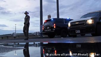 «Το Ελ Πάσο δεν θα είναι ποτέ ξανά το ίδιο» έγραψε στο Facebook ο σερίφης της πόλης Ρίτσαρντ Γουάιλς.