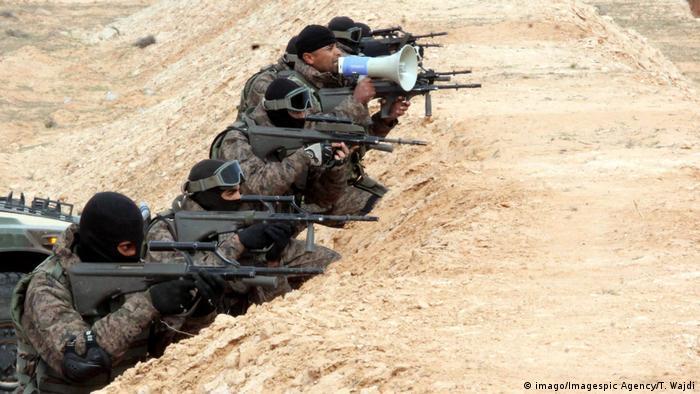 قوات خاصة تونسية عند الحدود مع ليبيا (أرشيف)