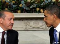باراک اوباما، رئیس جمهوری آمریکا در ملاقات با  رجب طیب اردوغان،  نخست وزیر ترکیه در کاخ سفید (دسامبر ۲۰۰۹)