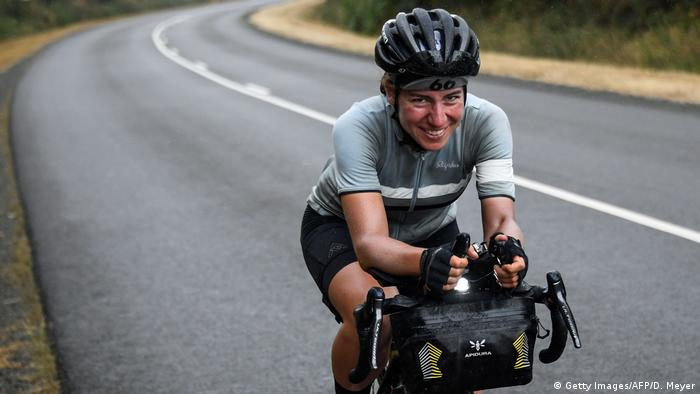 German woman wins ultra-distance cycling event | News | DW | 06 08 2019