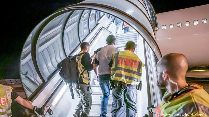 به علت شیوع کرونا، پناهجویان فعلا از آلمان بازگردانده نمیشوند