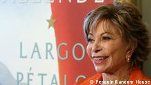 Isabel Allende, chilenische Schriftstellerin, und ihr neue Roman Largo pétalo de mar.