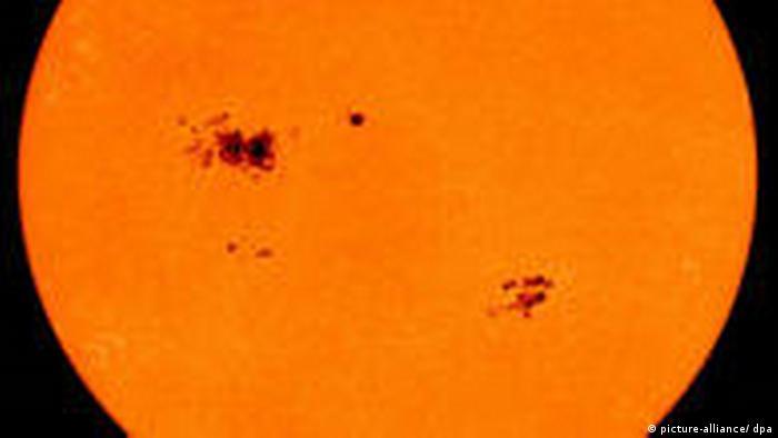 Sunspots in 2000