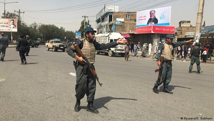 Afghanistan Kabul nach Bombenanschlag (Reuters/O. Sobhani)