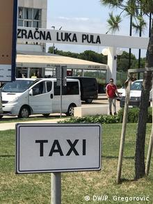 Stajalište taxija u pulskoj zračnoj luci