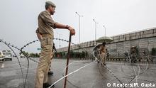 Indien Gesperrte Straße in Jammu