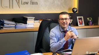 Ο τούρκος δικηγόρος με ειδίκευση στα ανθρώπινα δικαιώματα Χάντι Τσιν