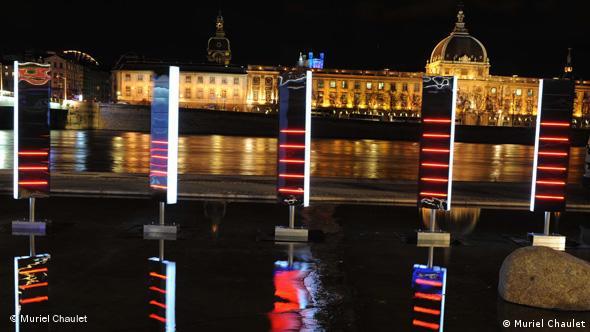 Platz und Fluss Saône in Lyon beim Lichterfest von 2008 Foto: Muriel Chaulet