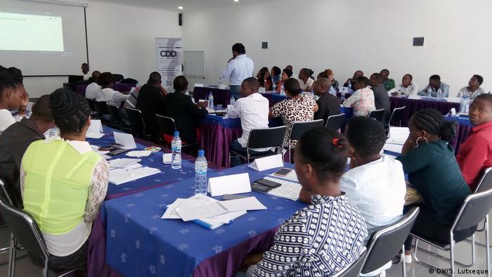 Mosambik Ausbildung von Wahlbeobachtern (DW/S. Lutxeque)