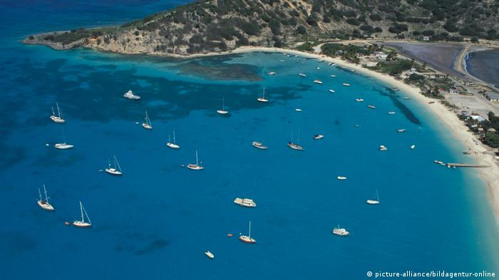Vista aérea do litoral da ilha Anguilla