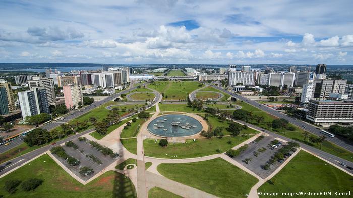 BG Regierungssitze | Brasilia (imago-images/Westend61/M. Runkel)