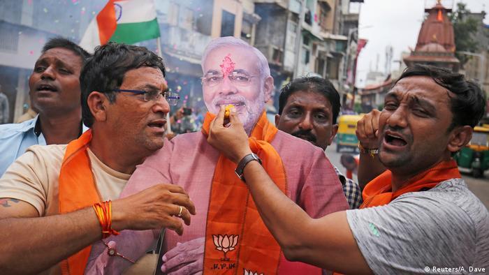 PM Narendra Modi has defended abolishing Kashmir's special status