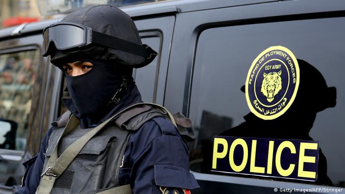 Сотрудник полиции в Каире