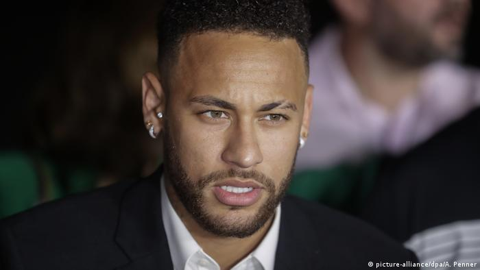 O jogador de futebol brasileiro Neymar