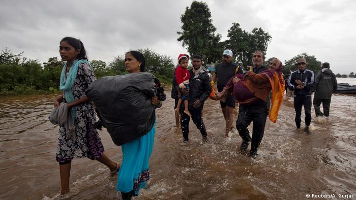 Indien Überschwemmungen in Maharashtra (Reuters/A. Gurjar)