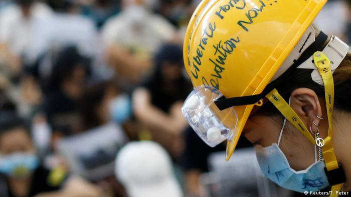 Hong Kong | Proteste am Flughafen gegen das Auslieferungsgesetz (Reuters/T. Peter)