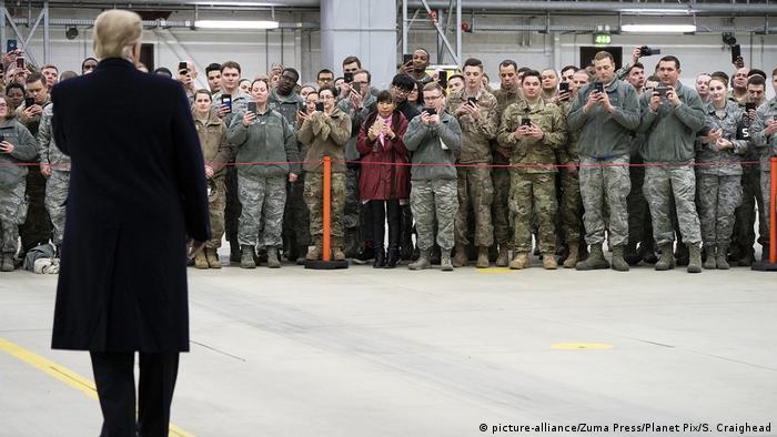 Deutschland Standort der US-Armee in Ramstein | US-Präsident Donald Trump (picture-alliance/Zuma Press/Planet Pix/S. Craighead)