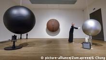 Takis Austellung in der Tate Modern London