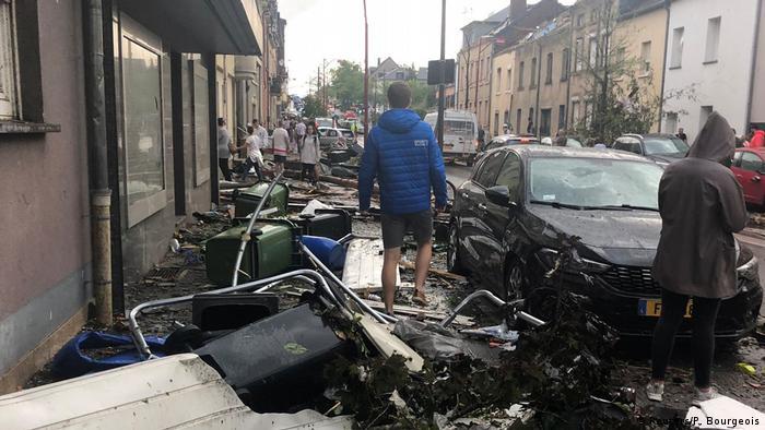 Luxemburg, Petange: Tornado richtet Zerstörung an