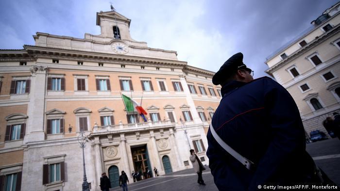 Italien Rom   Palazzo Montecitorio, Sitz der Abgeordnetenkammer