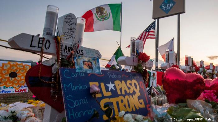 USA El Paso | Trauer nach Anschlag, Flagge Mexiko (Getty Images/AFP/M. Ralston)
