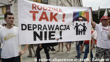First March for Equality ( Pierwszy Marsz Równości ) in Plock, Poland on 10/08/2019 As the organizers declare, the idea of the March is respect for every human being, equality, tolerance, openness and solidarity. However, the event contributed to tensions between LGBT people and conservatives defending traditional family values. by Wiktor Dabkowski | Verwendung weltweit