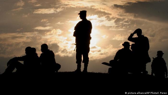 Kolumbien Armee Sonnenuntergang