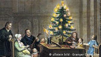 Wo Stand Der Erste Weihnachtsbaum.Glaubenskrieg Um Den Tannenbaum Hintergrund Dw 20 12 2009
