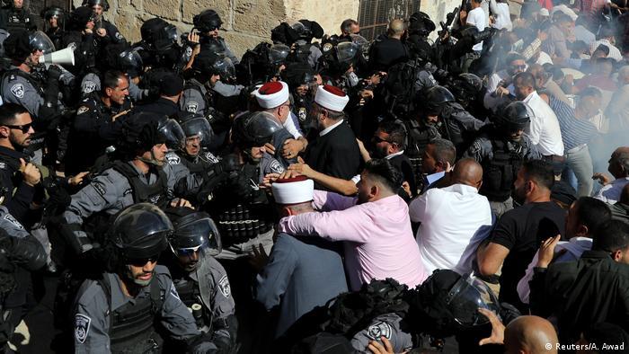 Israel Ausschreitungen zwischen palästinensischen Gläubigen & Polizei