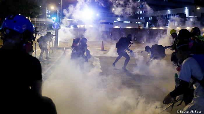 Hongkong Tränengas-Einsatz der Polizei
